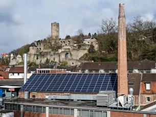 Solarzellen auf Unternehmensdach